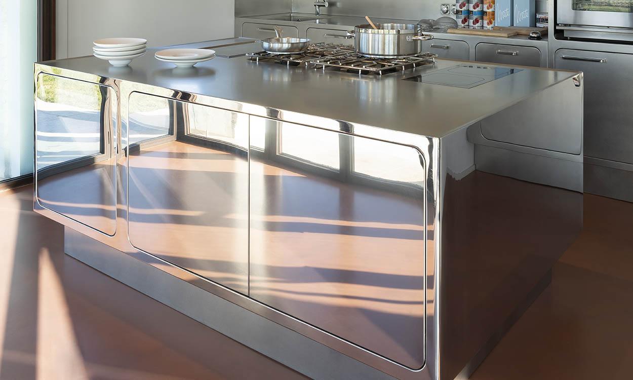 Chromstahlküche - STUTZ Grossküchen AG - Privatküchen CNS Haushalt